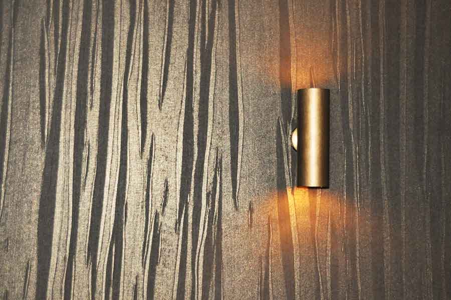 Hochwertige Strukturtapete mit Wandbeleuchtung
